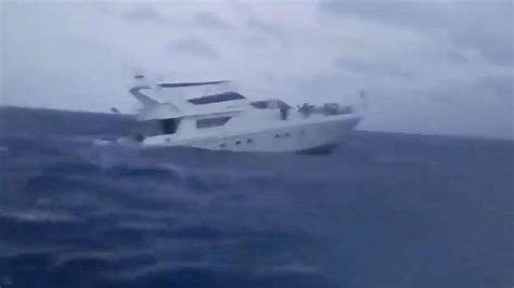Phoenix Boats Phuket by Thailand Rescuers Prepare To Raise Sunken Tourist Boat 41