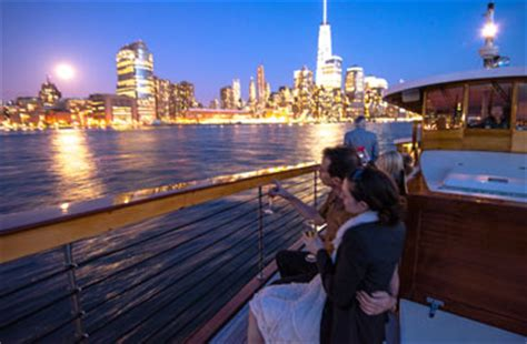 New Years Eve Boat Ride Nyc by Nyc Sightseeing Cruise On Yacht Manhattan Classic Harbor