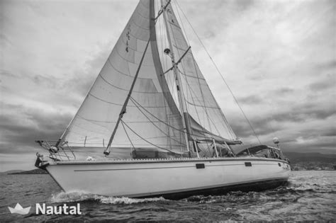 South Haven Boat Rental by Comfort Safety And Style With This Amazing Yacht In