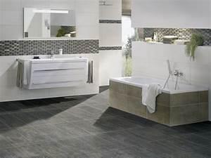 Eckbadewanne Fliesen Bilder : fliesen f rs badezimmer die sch nsten ideen planungswelten ~ Markanthonyermac.com Haus und Dekorationen