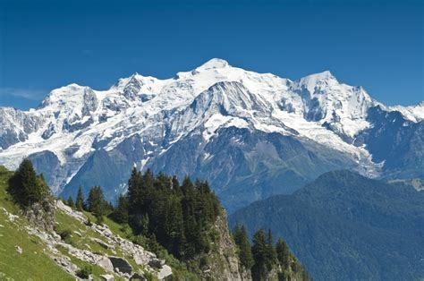 pictures walking with views of the alps alps savoie mont blanc