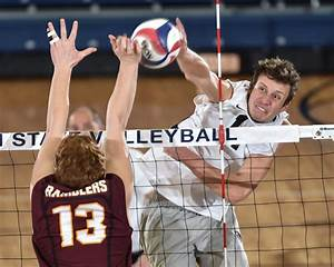 Men's Volleyball Falls Short In Comeback Against No. 1 Loyola