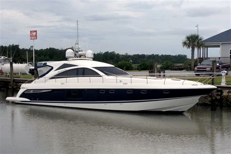 Boat Service Jobs by A New Paint Job For A 64 Fairline Yacht Jarrett Bay