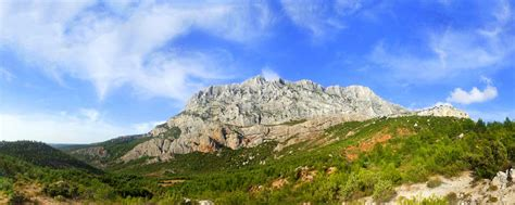 the sainte victoire range a site not to be missed during your in green provence
