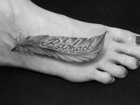 tatouage plus avec pr 233 nom sur pied femme pied femme pr 233 noms enfant et pieds