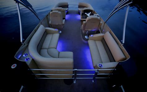 Led Docking Lights For Pontoon Boats by With Fiberglass Panels Instead Of A Vertical Fence And Led