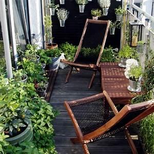 Balkon Liege Für Zwei : holzfliesen f r balkon gem tlichkeit und stil ~ Markanthonyermac.com Haus und Dekorationen