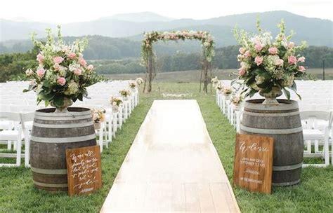 10 id 233 es ing 233 nieuses pour d 233 corer un mariage rustique avec des tonneaux en bois mariage