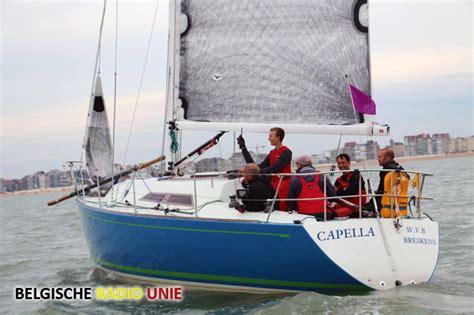 Zeilboot Oostende by Zeilboot Capella Kapseist Voor De Kust Van Oostende