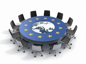 Komisja Europejska przywołuje Google i Apple do porządku