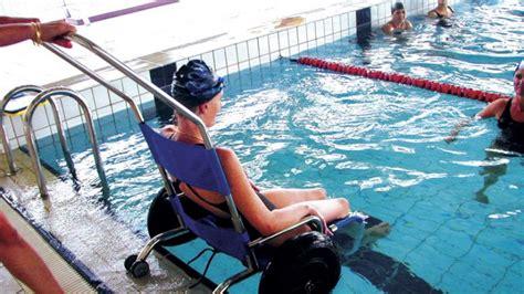 fauteuil piscine pour personne 224 mobilit 233 r 233 duite