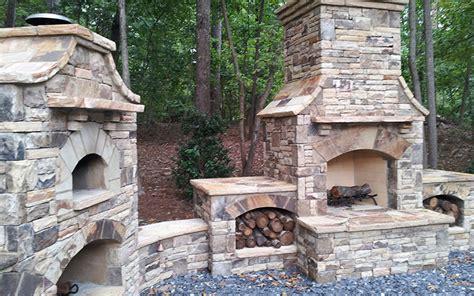 Outdoor Fireplaces : Outdoor Fireplaces + Fire Pits