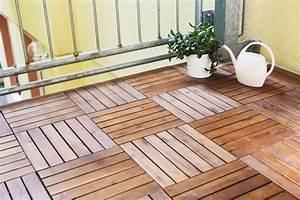 Entkopplungsmatte Auf Holz Verlegen : balkonfliesen aus holz verlegen anleitung tipps ~ Markanthonyermac.com Haus und Dekorationen