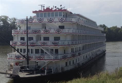 Mississippi Queen Riverboat Cruises by Queen Of The Mississippi Riverboat Docks In Clarksville