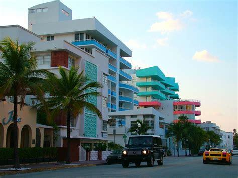 deco colony hotel in