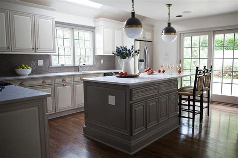 White Kitchen Cabinets With A Dark Grey Island Omega Dining Room Floral Arrangements Floor Plans Without Formal Rooms Elegant Decorating Ideas Shelf Mammoth Hot Springs Hotel Table Cloths Houzz Tables Fabric For Chairs