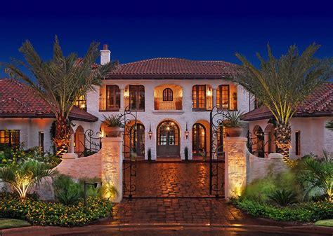 Mediterranean Style : Exquisite Mediterranean Style Residence On Lake Austin, Texas