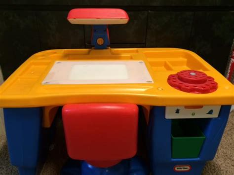 tikes desk with l and chair 28 images tikes light up