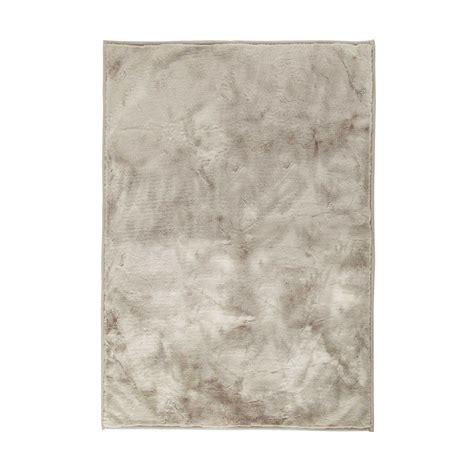 tapis 224 poils courts gris 140 x 200 cm swart maisons du monde