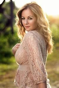 Lisa Kelly, Celtic Woman | lisa | Pinterest | Women's ...