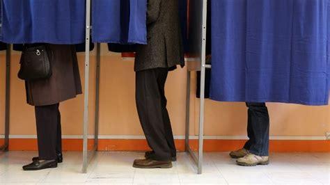les horaires de fermeture des bureaux de vote dans les