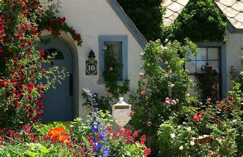 7 Secrets To Creating A Country Cottage Garden Huffpost