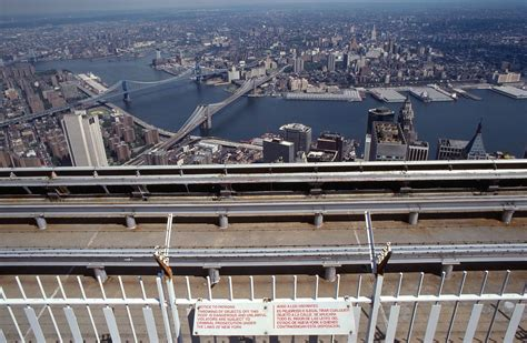 file world trade center 2 observation deck anti fence 1984 2 jpg wikimedia commons