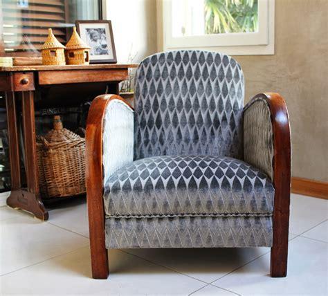 restauration fauteuil deco table de lit