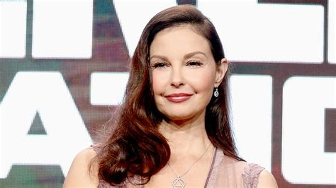 Ashley Judd Calls Out 'everyday Sexism' At Airport
