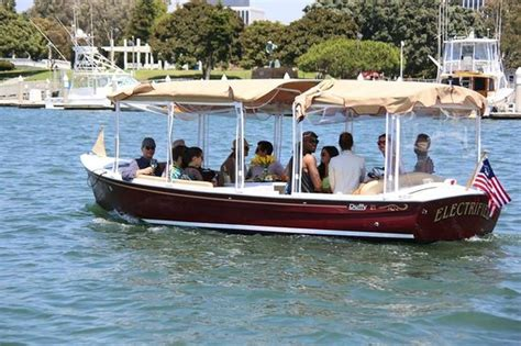 Boat Party Rentals In Los Angeles Ca by Come Have A Party On Our Electric Boats It S Electrifying