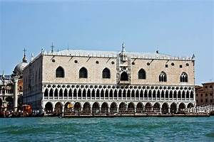 St. Mark's Square, Venice: 12 Top Attractions, Tours ...