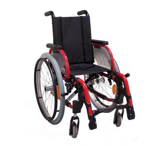 fauteuil roulant pour enfant ou taille avec dossier fixe otto bock innov junior