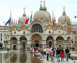 St. Mark Basilica, Eksotisme Landmark Kota Venice ...