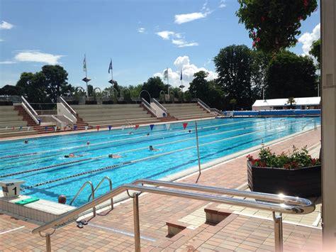 piscines parisiennes apero branle branle entre potes le site de la entre mecs