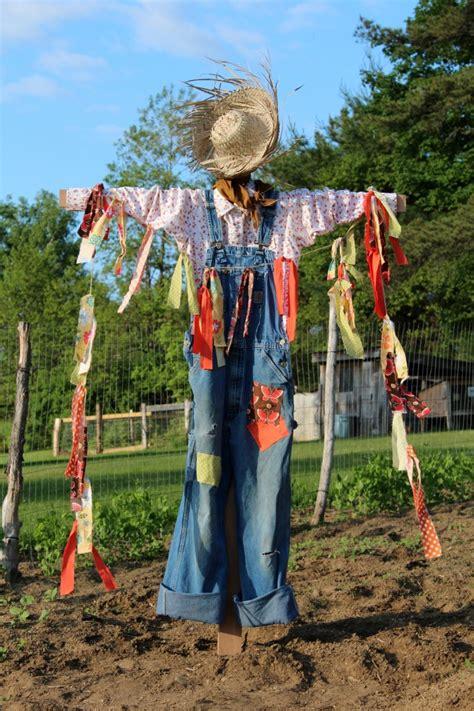 Diy Scarecrow For Garden how to make a scarecrow