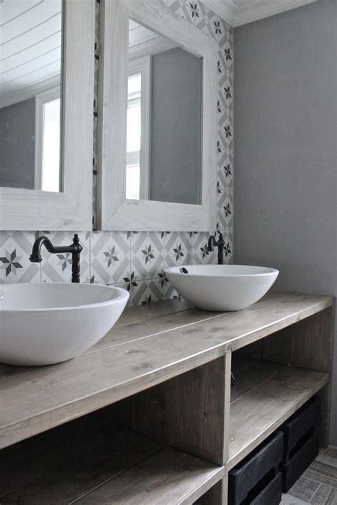 salle de bain retro rustique carrelage graphiques esprit carreaux de ciment rustic and
