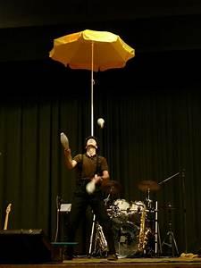 Künstler Aus Köln : firmenfeiern jongleur aus k ln k nstler f r firmenfeier mitmachzirkus jongliershow ~ Markanthonyermac.com Haus und Dekorationen