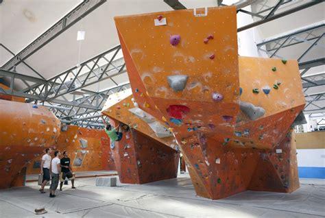 salle d escalade blocbuster 171 zoomfactor architectes