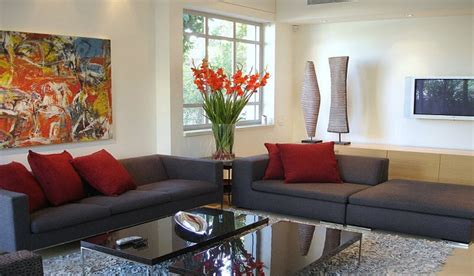 Budget-friendly Home Décor Ideas Best Living Room Radiators Friends Lyrics No Wall Space Rooms Paint Your Ideas With Navy Blue Accents Dining Open Floor Plan Large Storage Unit Brown Lamps