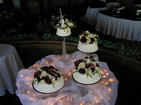 Wedding Cake Table Set Up  Idea In 2017  Bella Wedding
