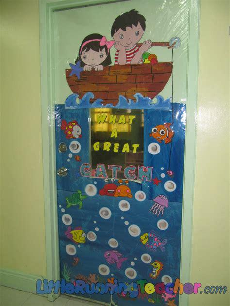 classroom door decor running