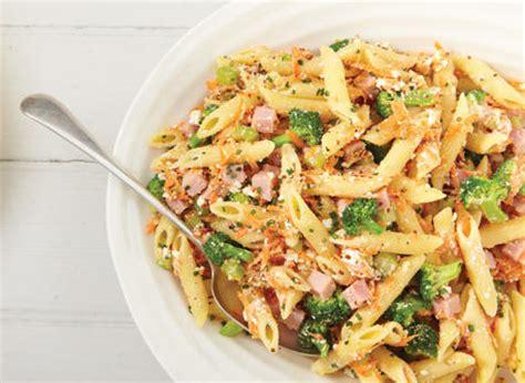 salade de p 226 tes 224 la ricotta et au jambon recette plaisirs laitiers