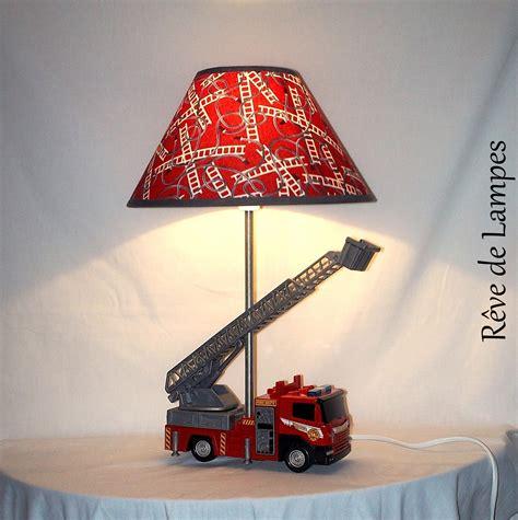 le chevet enfant camion de pompiers grande echelle r 233 serv 233 e luminaires par reve de les