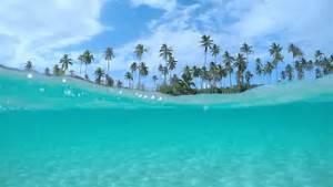 UNDERWATER: Crystal ocean lagoon at exotic white sandy ...