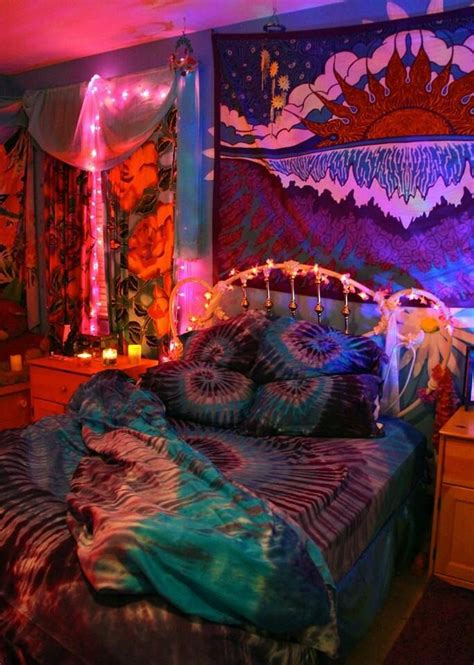 The 25+ Best Ideas About Stoner Bedroom On Pinterest