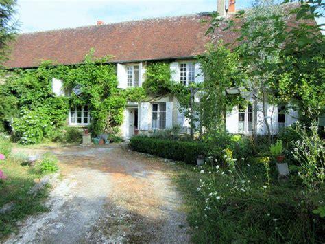maison 224 vendre en bourgogne nievre couloutre vaste maison d artistes pr 234 te pour de futurs