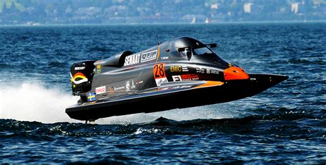 Formula Extreme Boats by Emirates Racing Team Racing Team F1 Power Boat