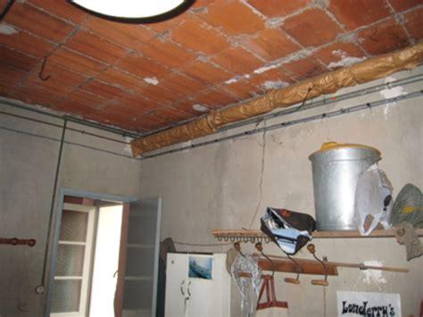 pose d un faux plafond sur hourdi en terre cuite