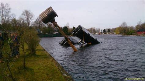Woonboot Paterswoldsemeer by 112groningen Kraan Valt In Het Paterswoldsemeer Video