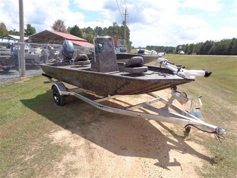 Xpress Fishing Boat For Sale by 2016 New Xpress Boats Xplorer Cc Series Xp16cc Center
